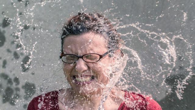 皮脂過剰の原因は洗顔しすぎ?