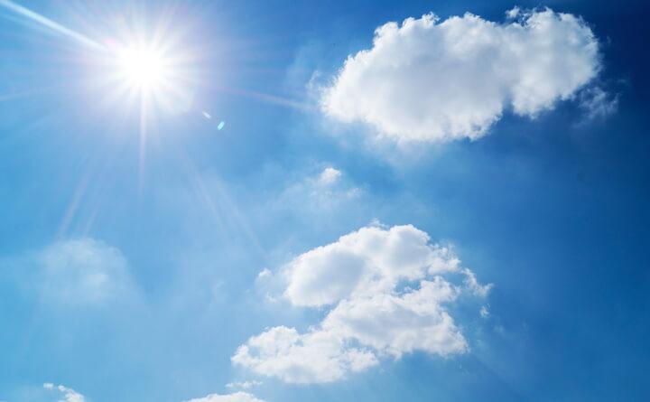 降り注ぐ太陽